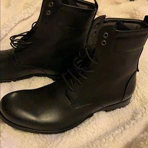 YvessSaintLaurent Men's Black Leather Boots
